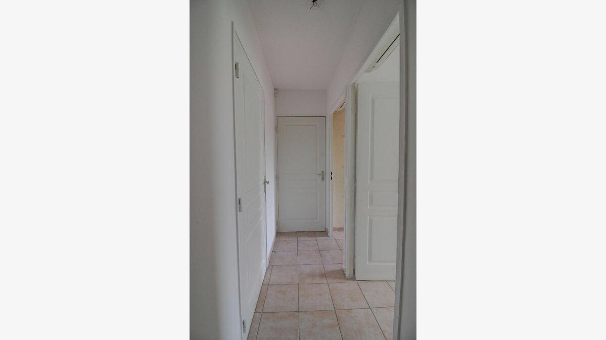 Achat Appartement 4 pièces à Marseille 11 - vignette-10