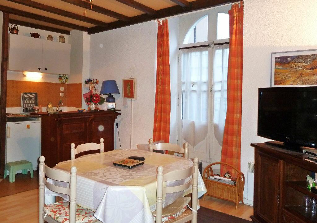 Achat Appartement 2 pièces à Eaux-Bonnes - vignette-1