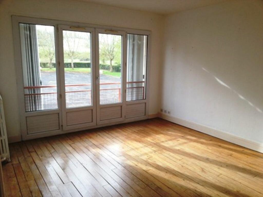 Location Appartement 3 pièces à Léguillac-de-l'Auche - vignette-1