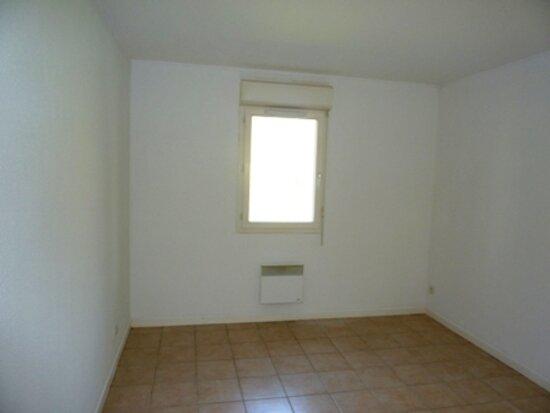 Achat Appartement 2 pièces à Saint-Astier - vignette-5