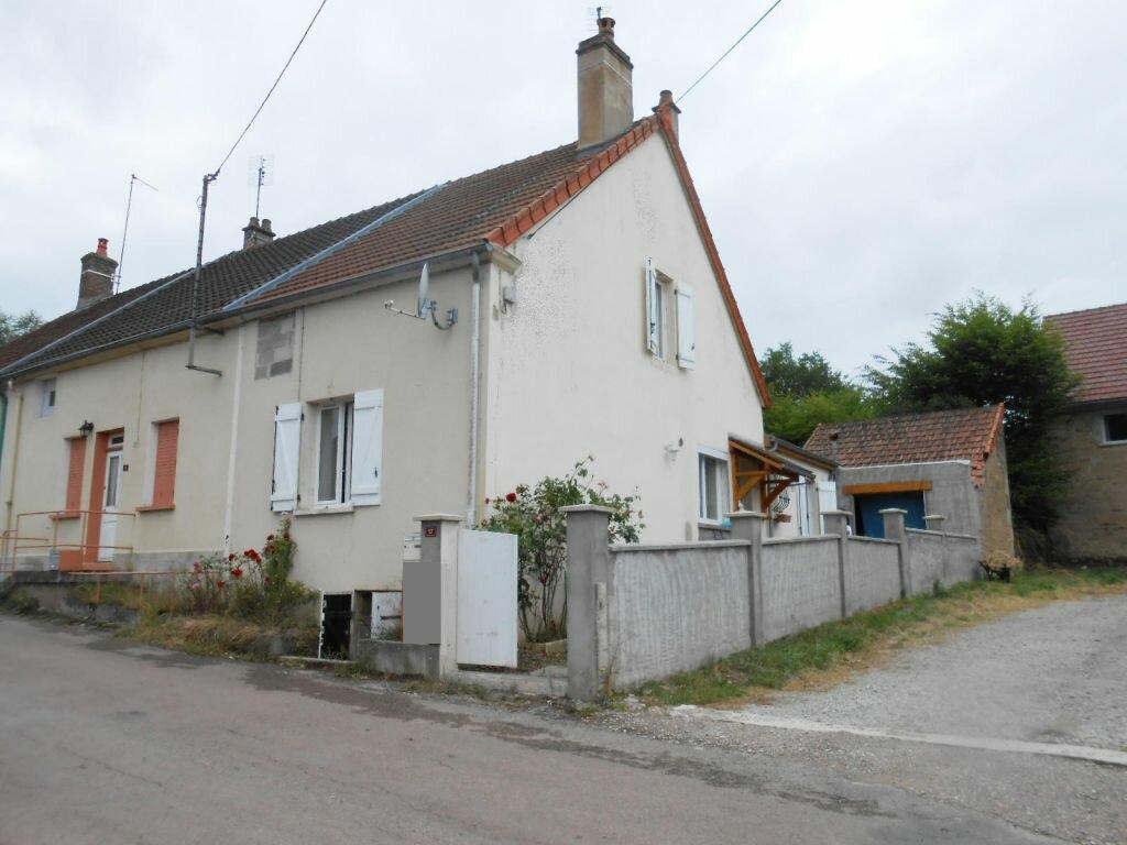 Achat Maison 4 pièces à Saint-Léger-du-Bois - vignette-1