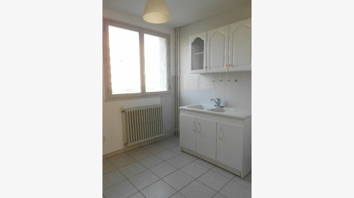 Achat Appartement 3 pièces à Chalon-sur-Saône - vignette-2