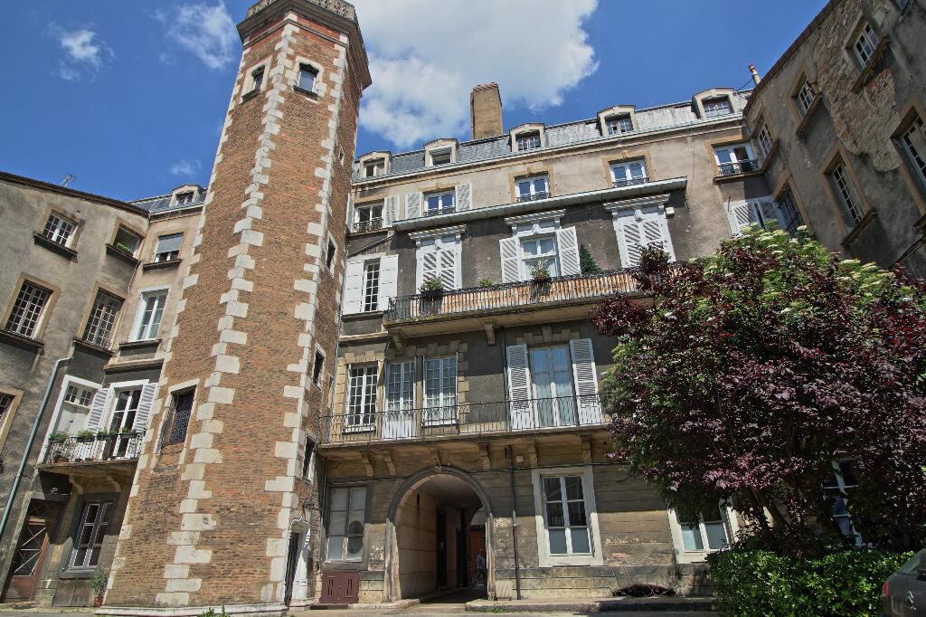 Achat Appartement 5 pièces à Chalon-sur-Saône - vignette-1