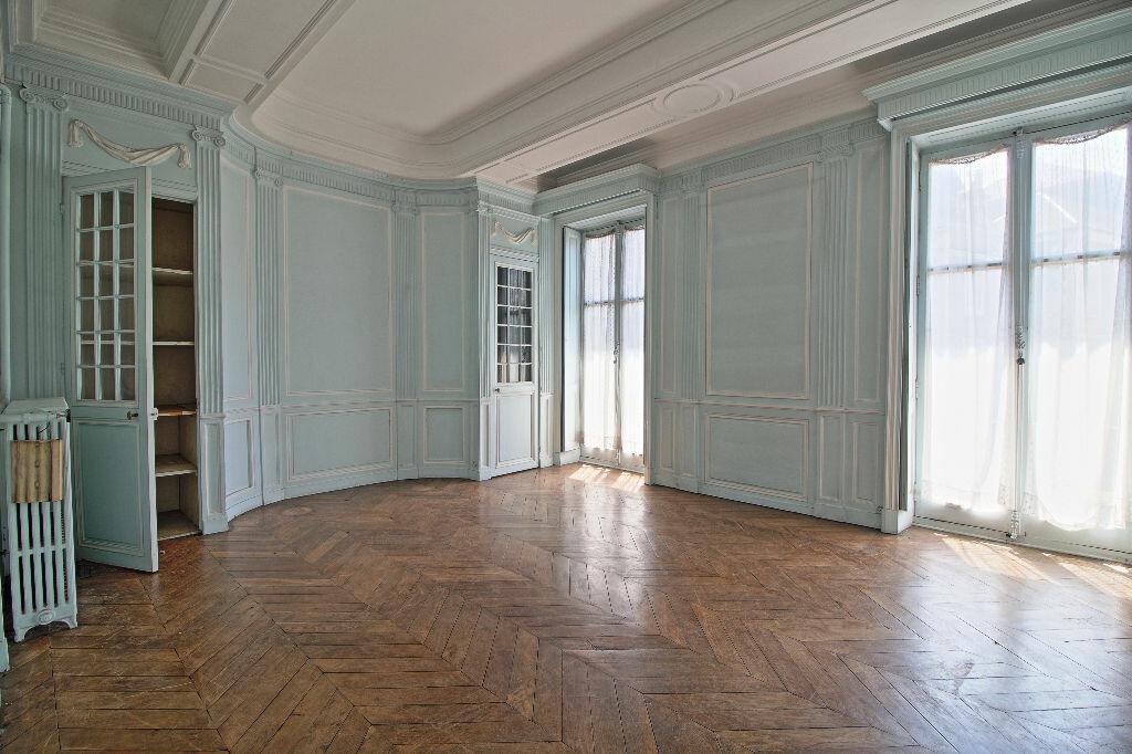 Achat Appartement 5 pièces à Chalon-sur-Saône - vignette-3