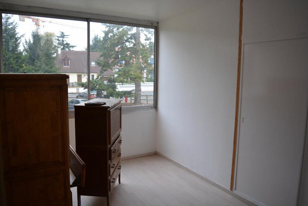 Achat Appartement 4 pièces à Boussy-Saint-Antoine - vignette-2