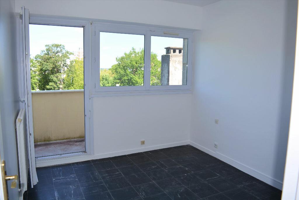 Achat Appartement 4 pièces à Quincy-sous-Sénart - vignette-6