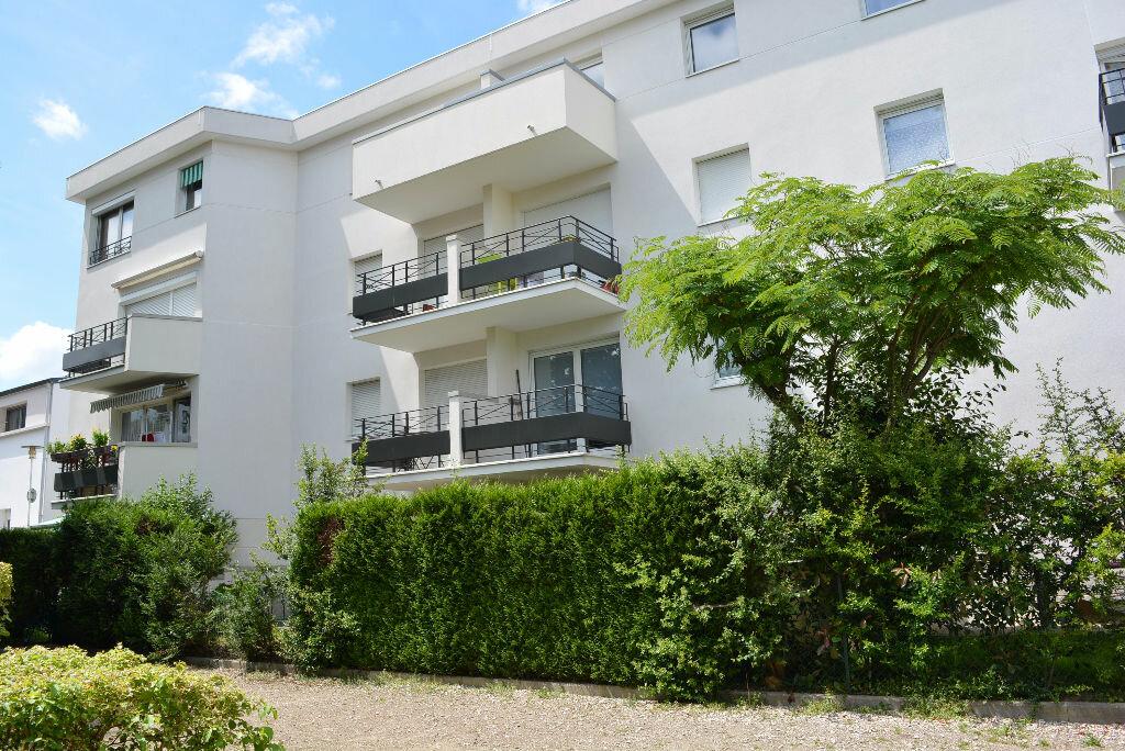 Achat Appartement 1 pièce à Boussy-Saint-Antoine - vignette-1