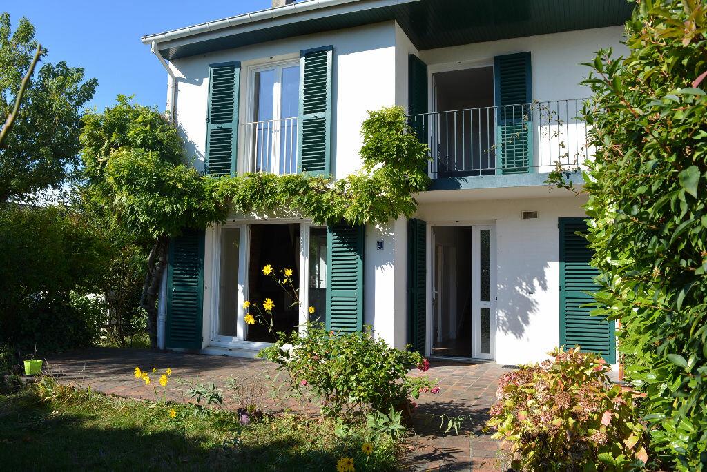 Achat Maison 6 pièces à Boussy-Saint-Antoine - vignette-1