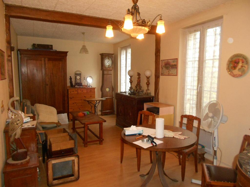 Achat Appartement 3 pièces à Corbeil-Essonnes - vignette-2