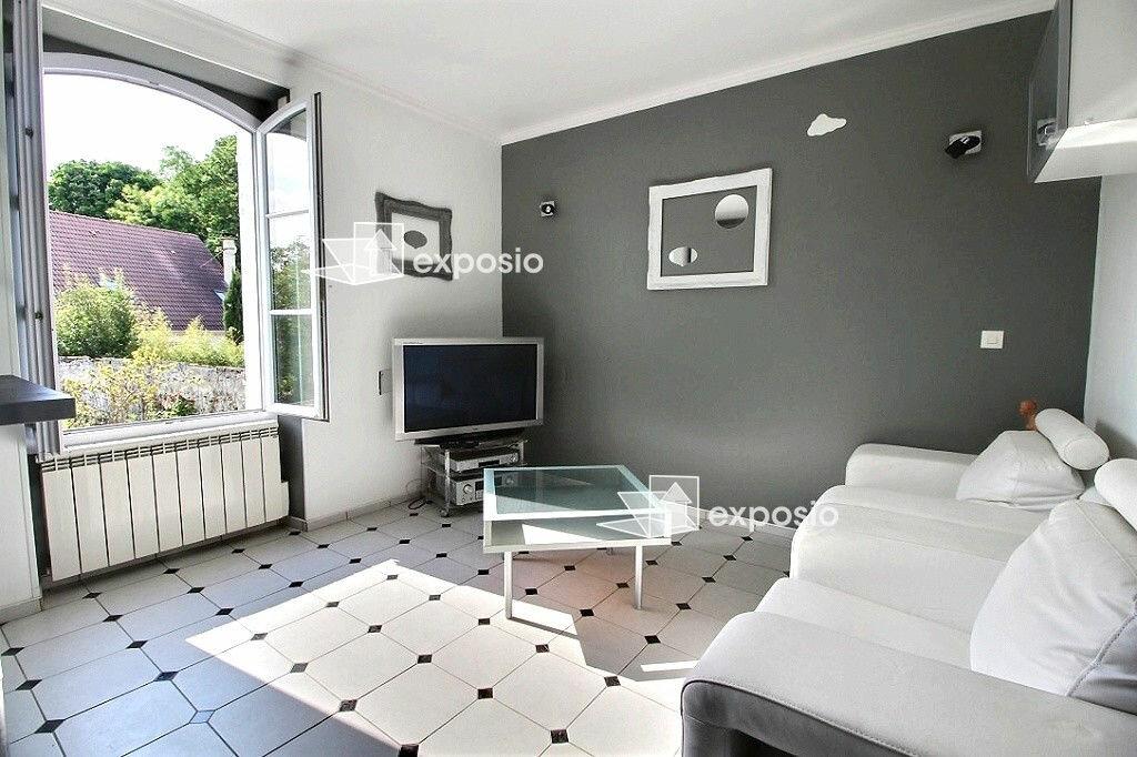 Achat Appartement 2 pièces à Saint-Germain-lès-Corbeil - vignette-1