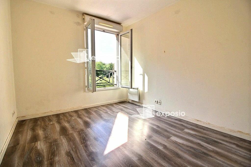 Achat Appartement 3 pièces à Corbeil-Essonnes - vignette-3
