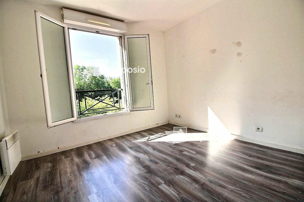 Achat Appartement 3 pièces à Corbeil-Essonnes - vignette-4