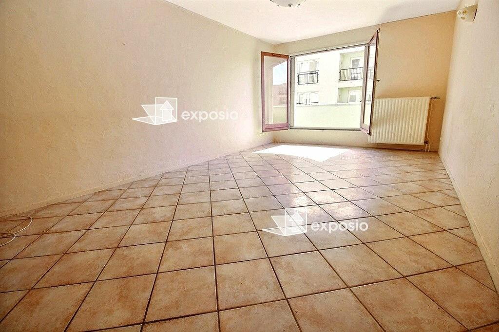 Achat Appartement 4 pièces à Corbeil-Essonnes - vignette-3