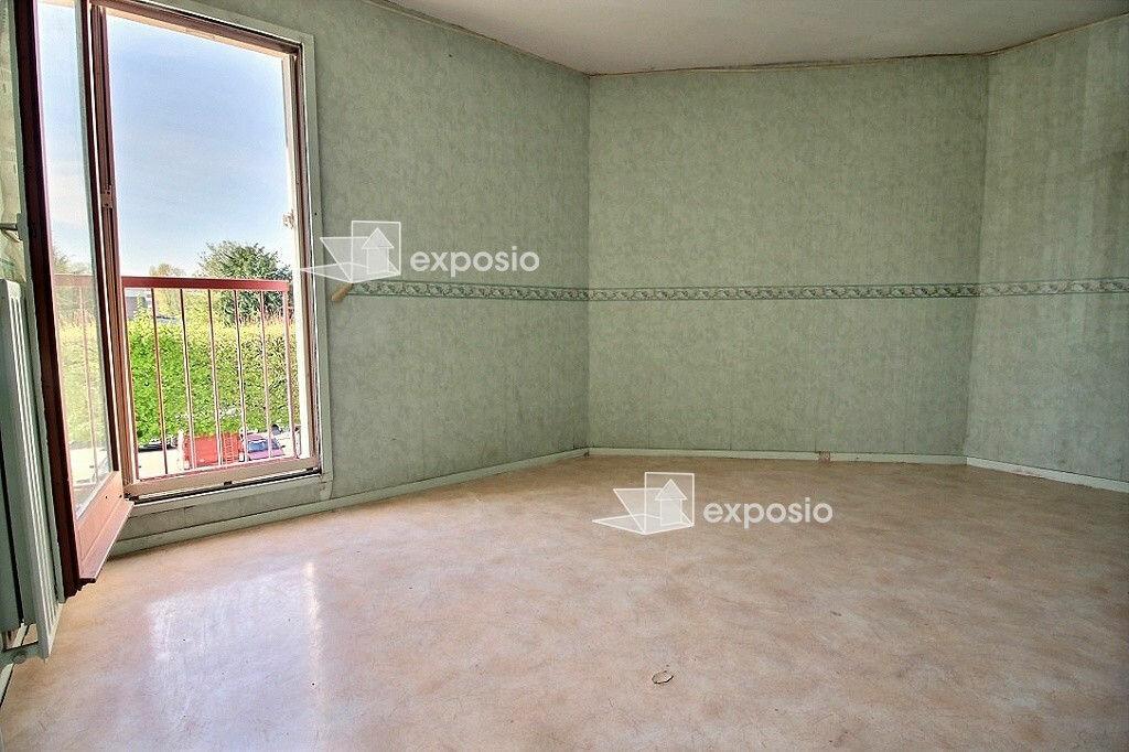 Achat Appartement 4 pièces à Corbeil-Essonnes - vignette-6