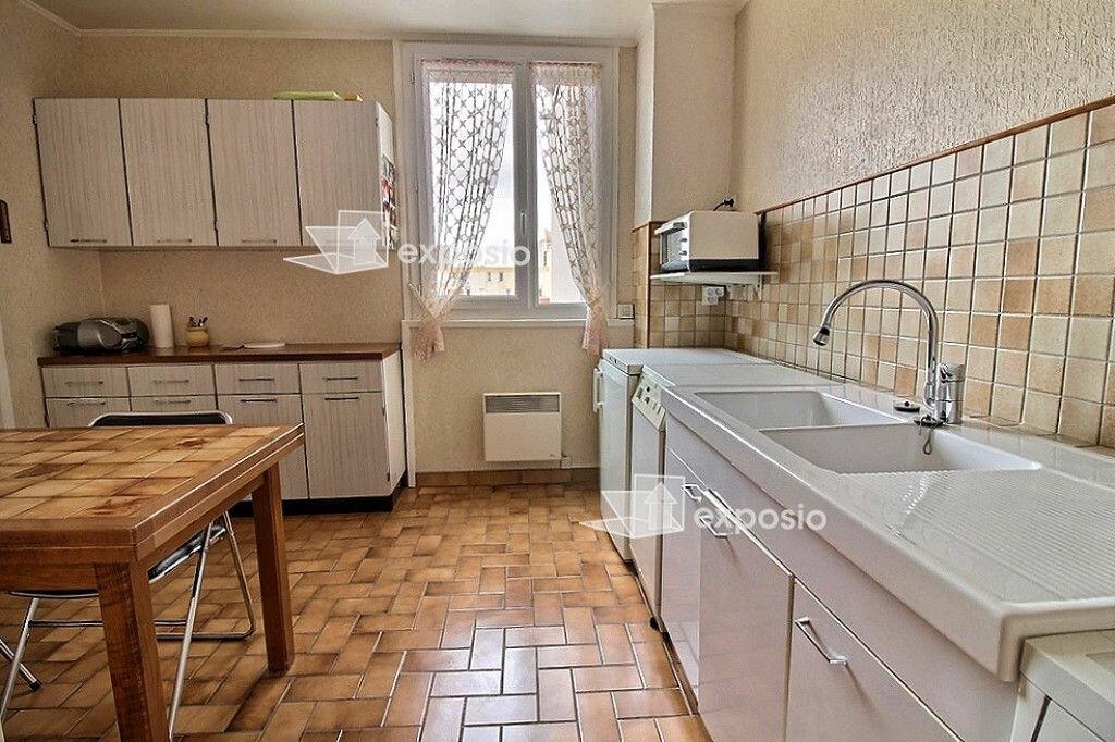 Achat Appartement 5 pièces à Évry - vignette-2