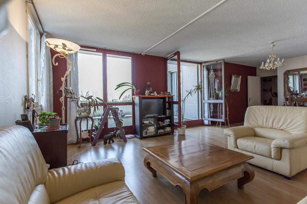 Achat Appartement 5 pièces à Évry - vignette-1