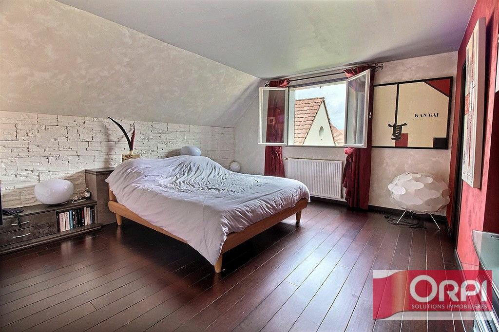 Achat Maison 9 pièces à Saint-Germain-lès-Corbeil - vignette-10