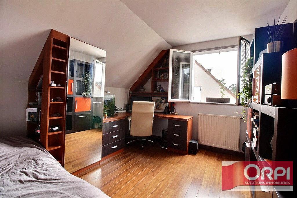 Achat Maison 9 pièces à Saint-Germain-lès-Corbeil - vignette-14