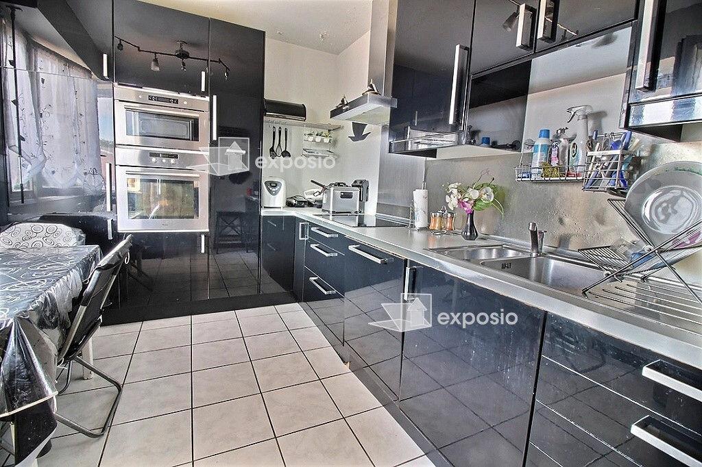 Achat Appartement 4 pièces à Évry - vignette-1
