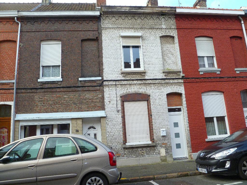 Location Maison 4 pièces à Tourcoing - vignette-1