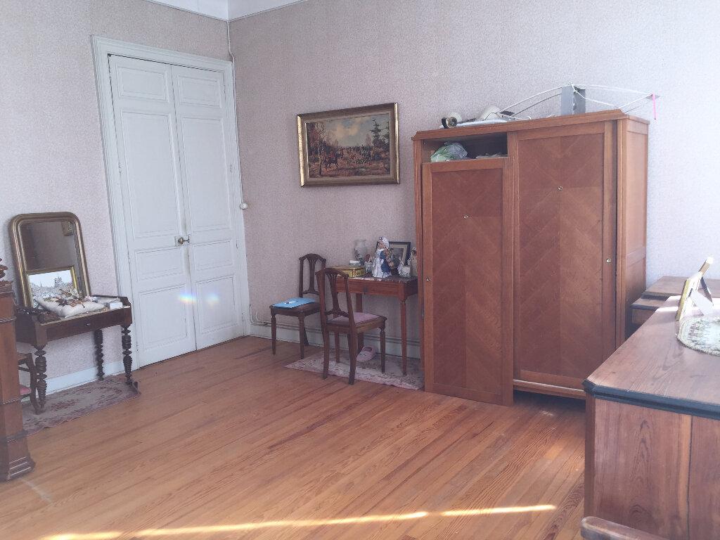 Achat Maison 17 pièces à Castelsarrasin - vignette-11
