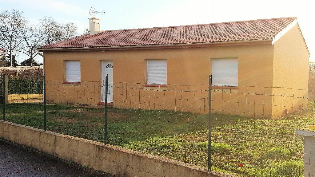 Location Maison 4 pièces à Castelsarrasin - vignette-1