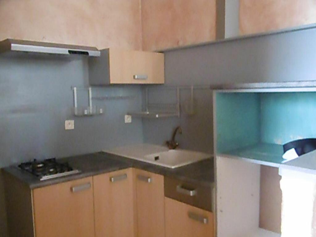 Location Maison 2 pièces à Castelmayran - vignette-1