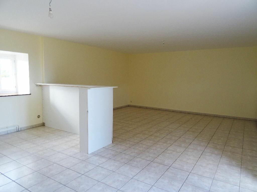 Location Maison 4 pièces à Mortagne-au-Perche - vignette-3