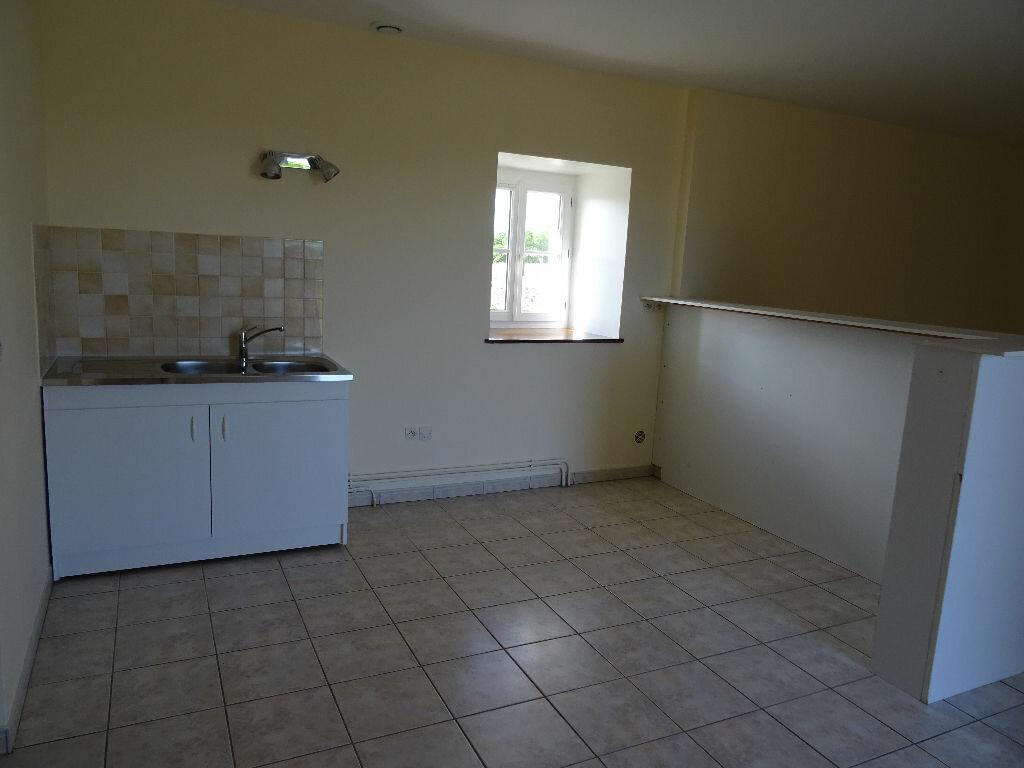 Location Maison 4 pièces à Mortagne-au-Perche - vignette-4