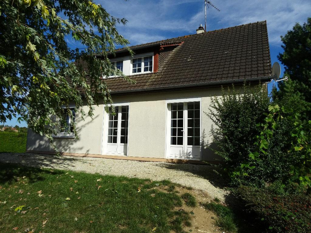 Location Maison 7 pièces à Mortagne-au-Perche - vignette-1