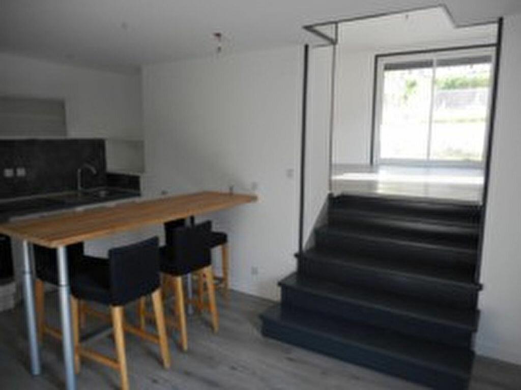 Location Maison 4 pièces à Mazamet - vignette-1