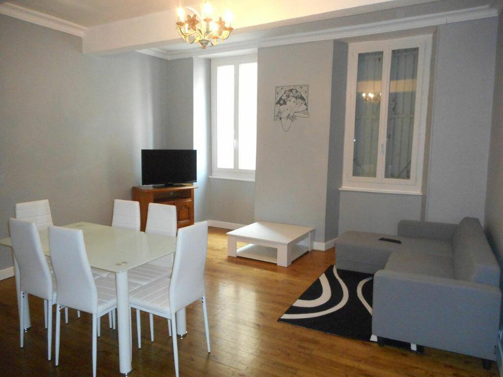Location Appartement 5 pièces à Mazamet - vignette-1
