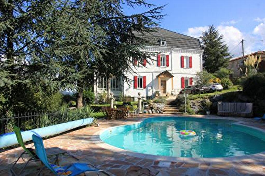 Achat Maison 14 pièces à Saint-Amans-Soult - vignette-1
