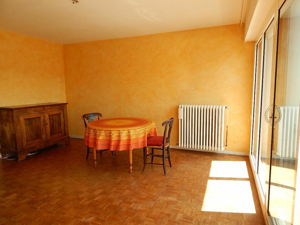 Achat Appartement 4 pièces à Saint-Pierre-d'Irube - vignette-2
