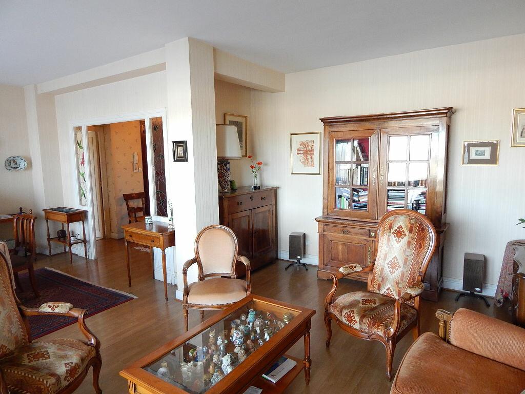 Achat Appartement 4 pièces à Bayonne - vignette-3