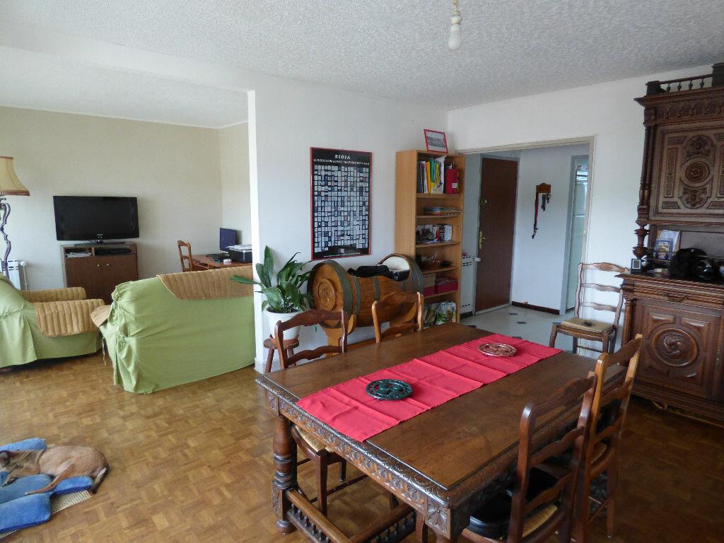 Achat Appartement 5 pièces à Saint-Pierre-d'Irube - vignette-1