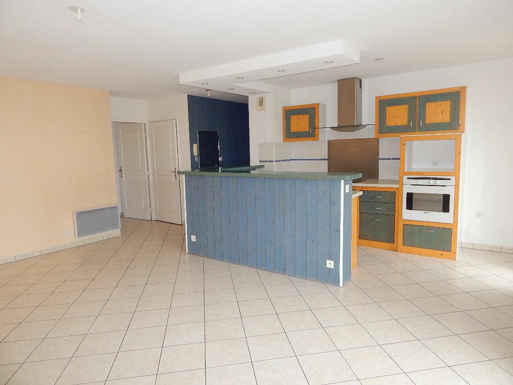 Achat Appartement 3 pièces à Saint-Pierre-d'Irube - vignette-2