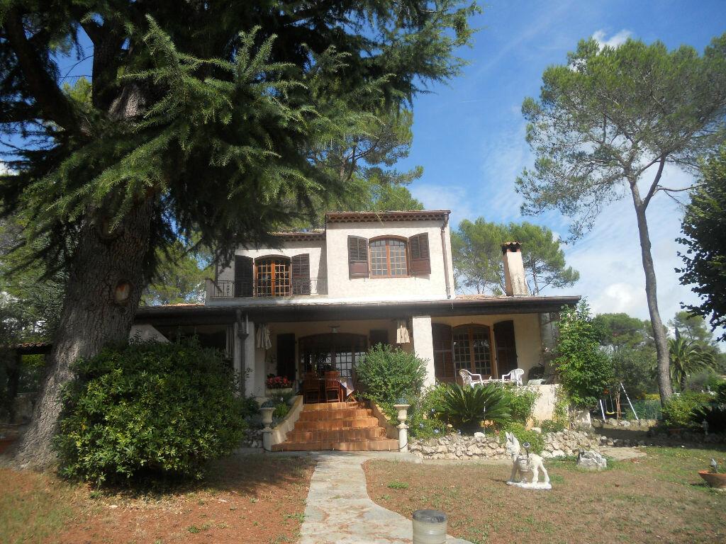 Achat Maison 6 pièces à Roquefort-les-Pins - vignette-1