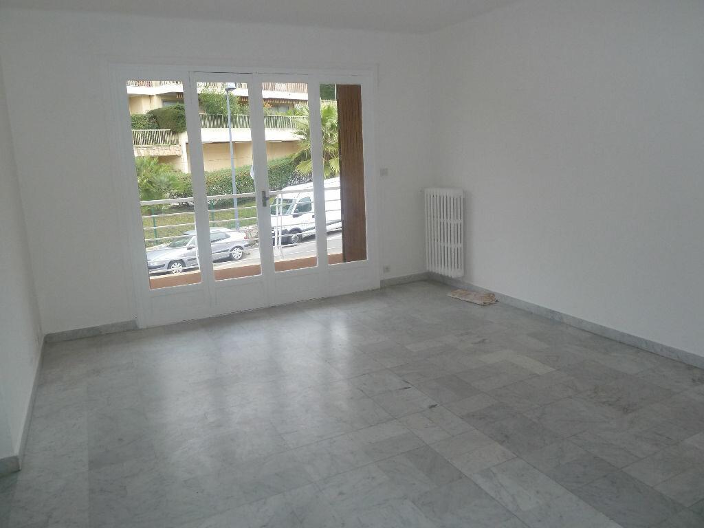 Achat Appartement 2 pièces à Vence - vignette-1