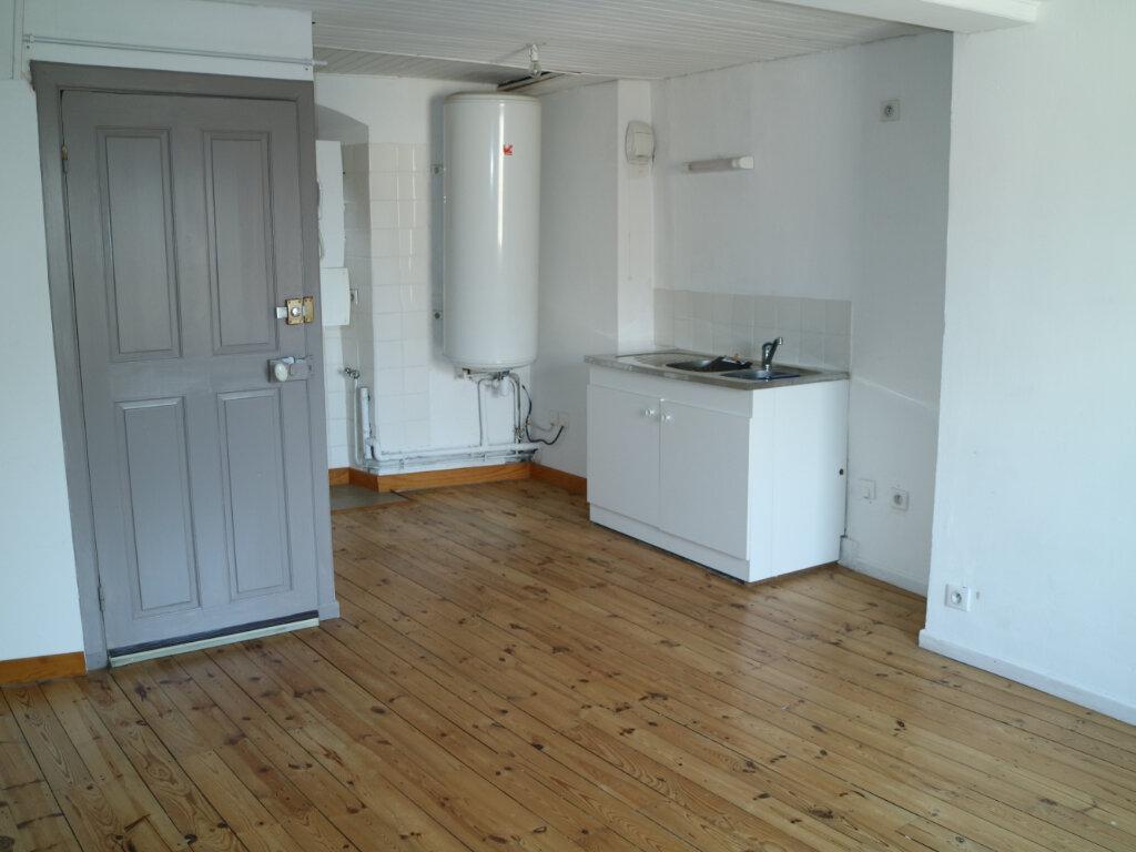 Location Appartement 3 pièces à Mende - vignette-2