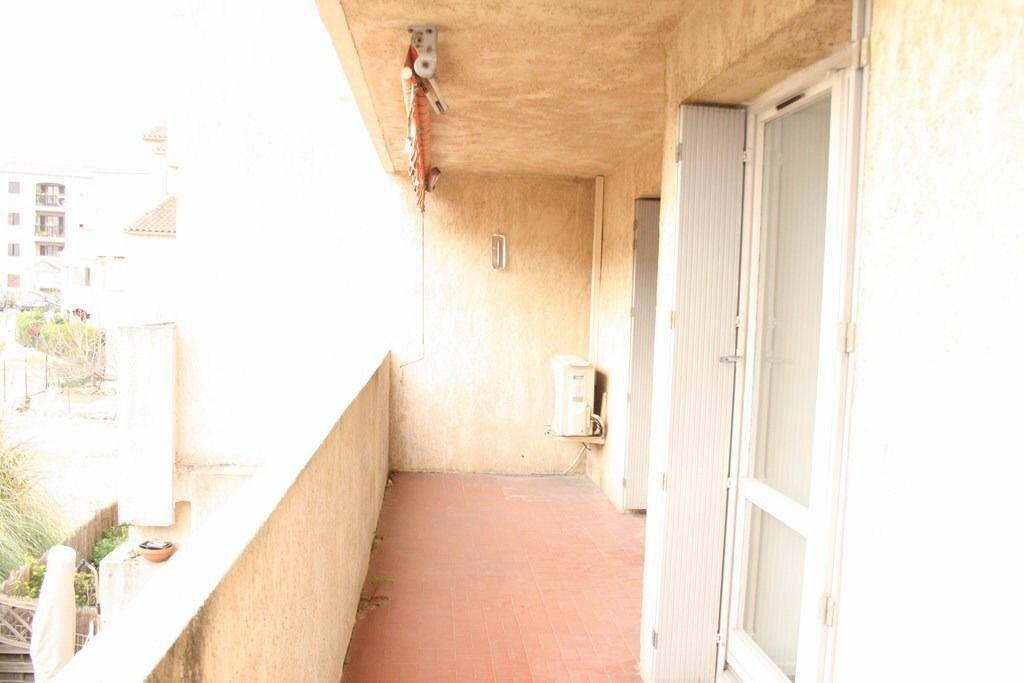 Achat Appartement 3 pièces à Le Beausset - vignette-3