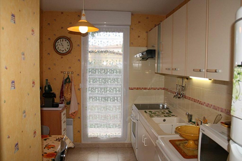 Achat Appartement 3 pièces à Le Beausset - vignette-8