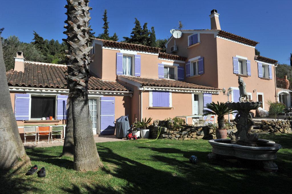 Achat Maison 15 pièces à Sanary-sur-Mer - vignette-1