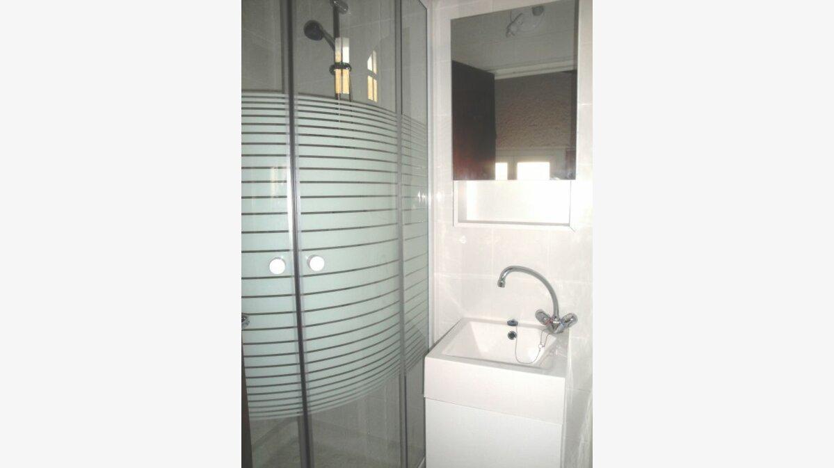 Location Appartement 2 pièces à Castelnau-le-Lez - vignette-3