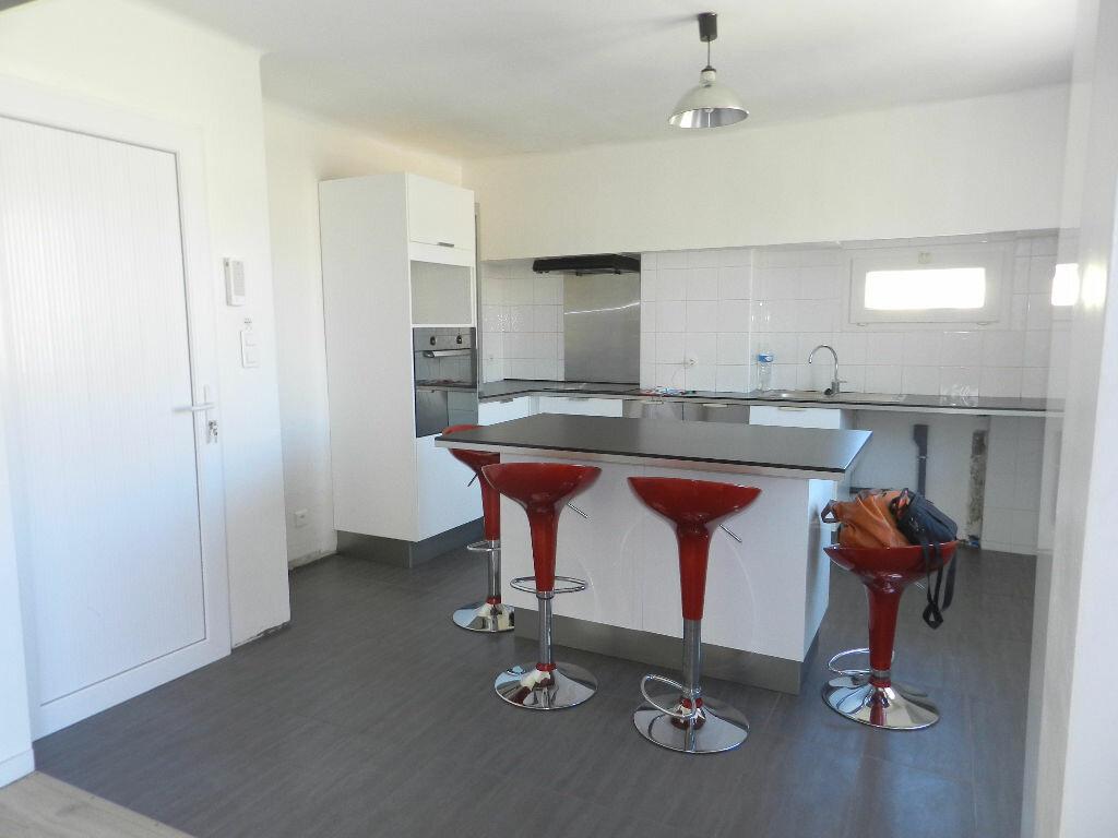 Achat Appartement 4 pièces à Saint-Brès - vignette-1
