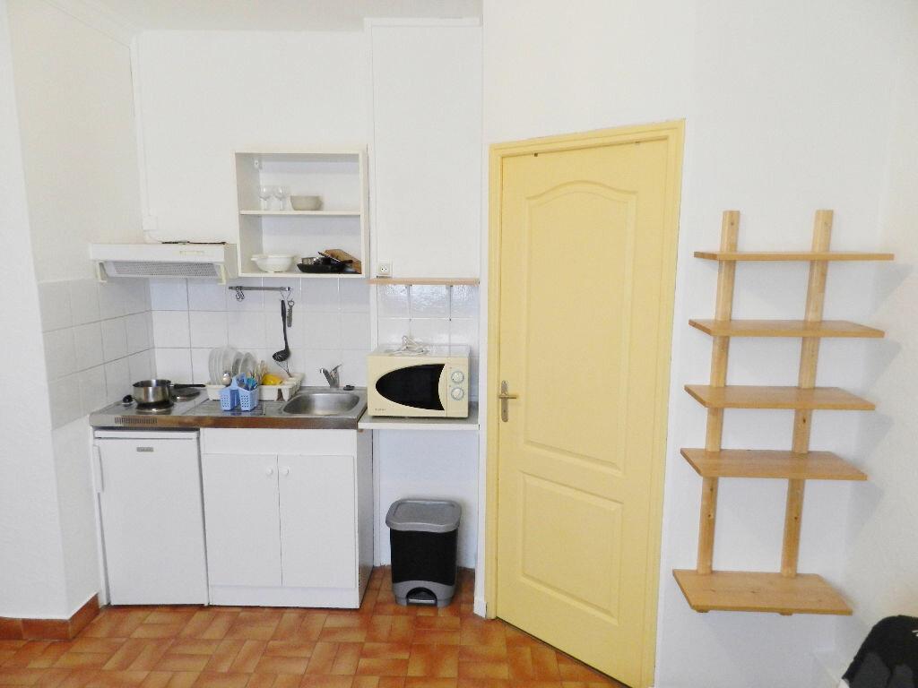 Location Appartement 1 pièce à Montpellier - vignette-2