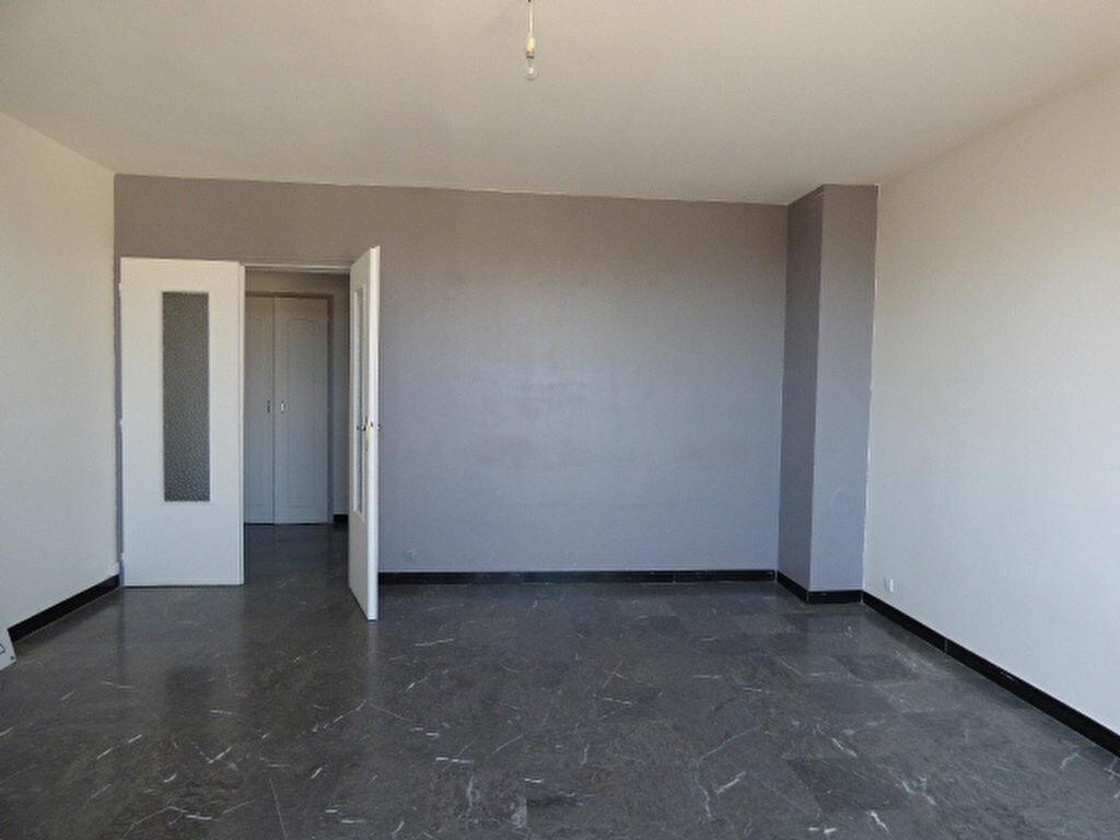 Achat Appartement 3 pièces à Frouzins - vignette-1