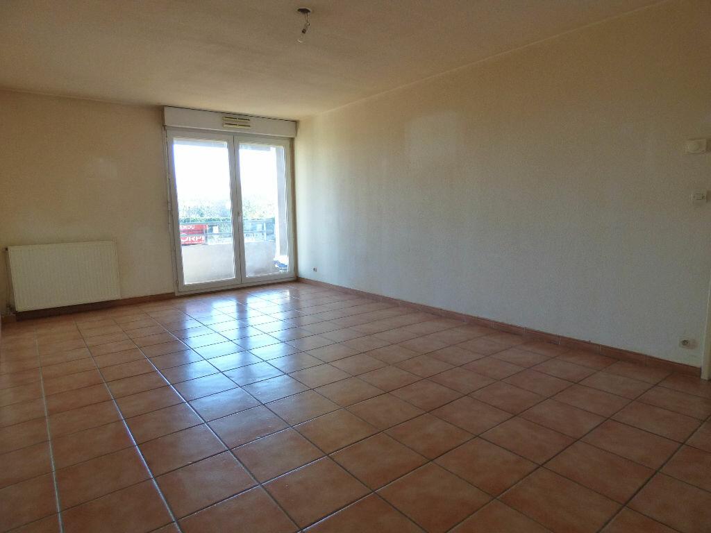 Achat Appartement 2 pièces à Frouzins - vignette-1