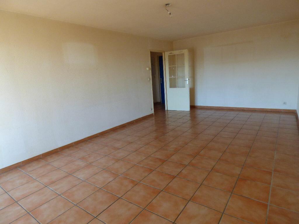Achat Appartement 2 pièces à Frouzins - vignette-2