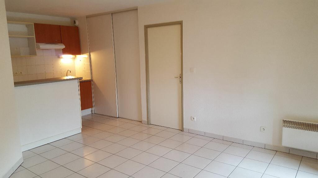 Achat Appartement 2 pièces à Villeneuve-Tolosane - vignette-1